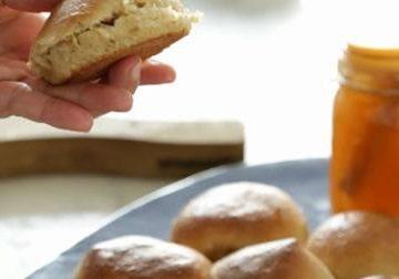 וידאו בלוגרשף: לחמניות קוואקר ודבש