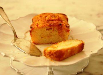 עוגה בחושה הכי קלה עם מחית פרי טרייה