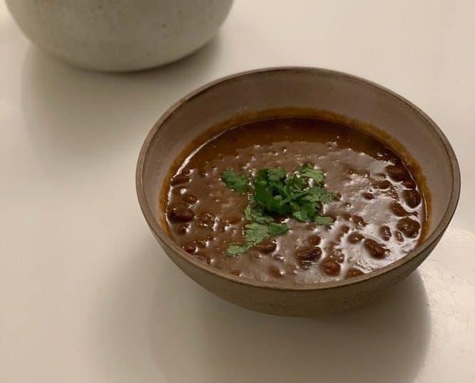 מרק שעועית טבעוני