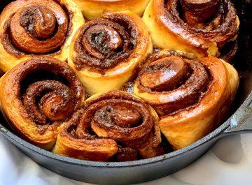 עוגת שמרים שושנים קינמון