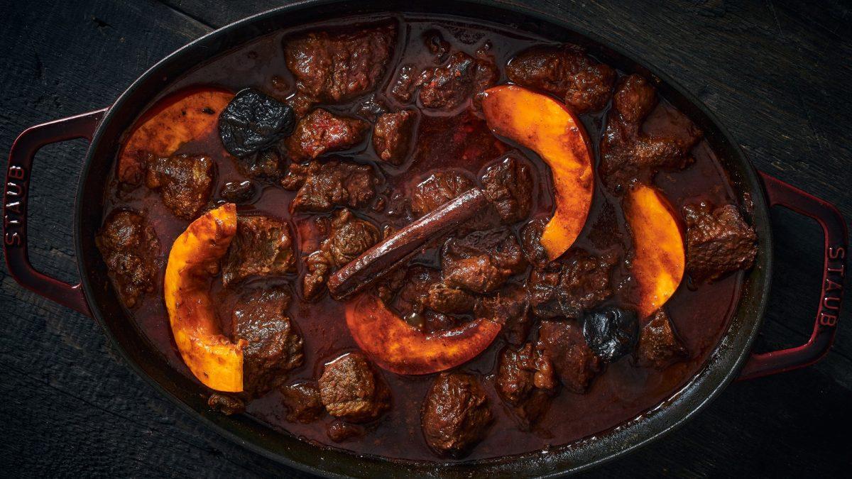 תבשיל קדירה של בשר ודלעת